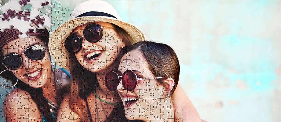 photo puzzle pieces